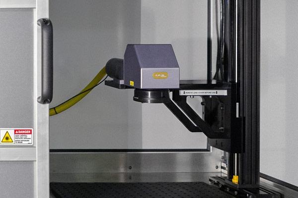 400i fiber laser benchtop marking system