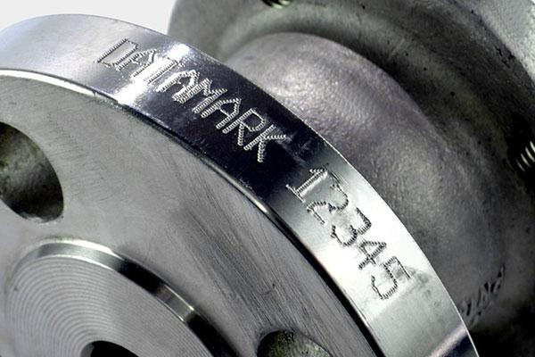 Mark pipe flanges and other curved surfaces