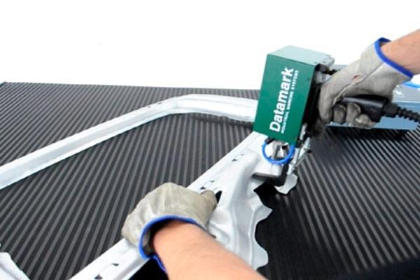 Portable pneumatic dot marker for automotive applications